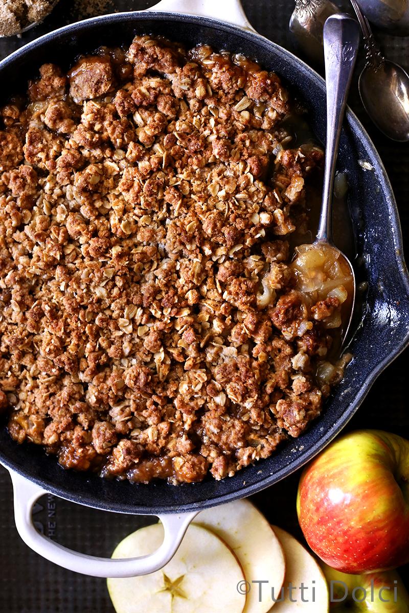 Skillet Amaretto Apple Crisp