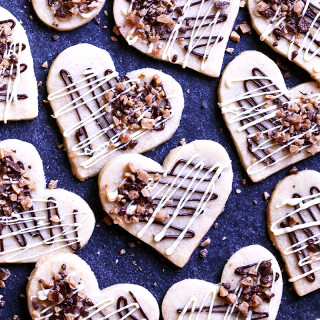 chocolate-toffee shortbread hearts