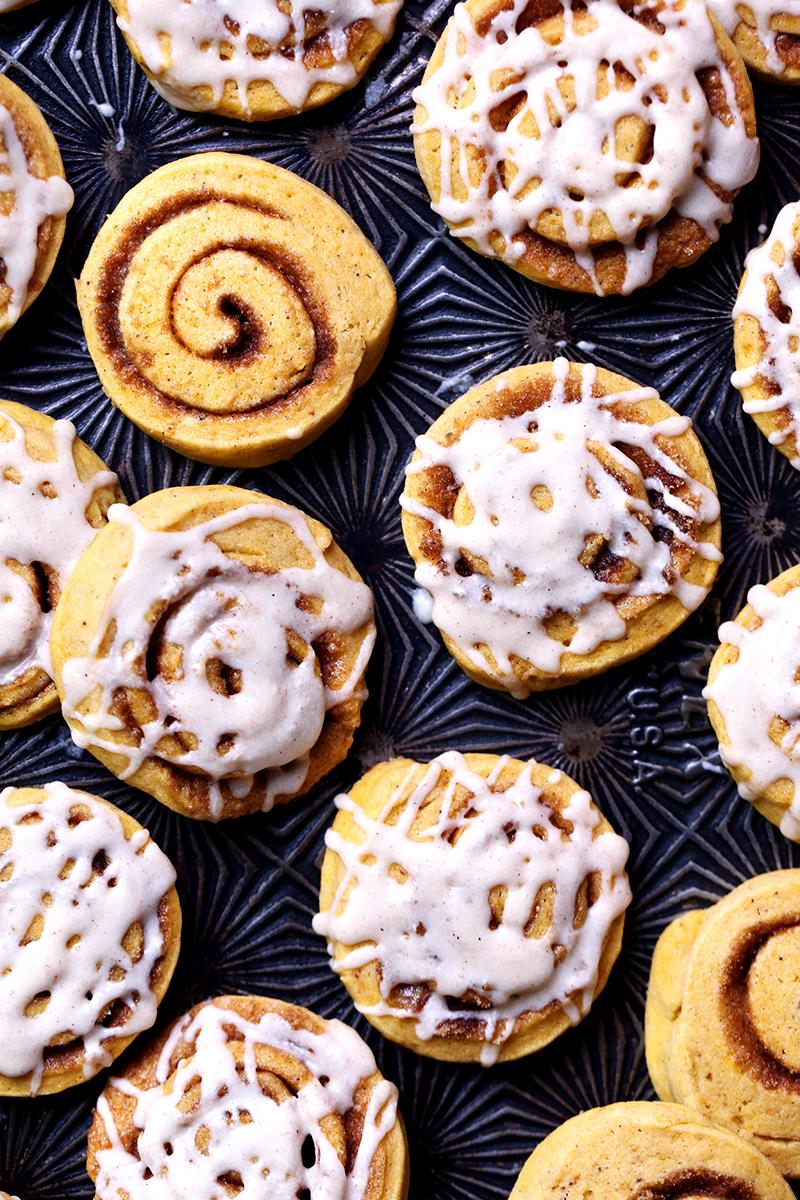 Pumpkin Cinnamon Roll Cookies