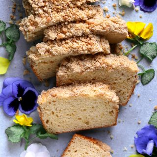 irish cream crumb cake