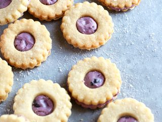 Berry Cream Sandwich Cookies