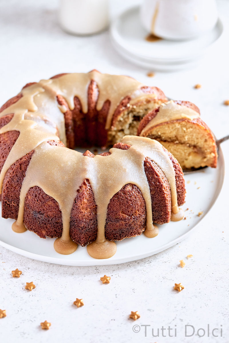 Apple Praline Bundt Cake
