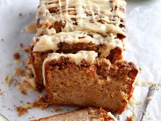 Apple Crumble Loaf Cake